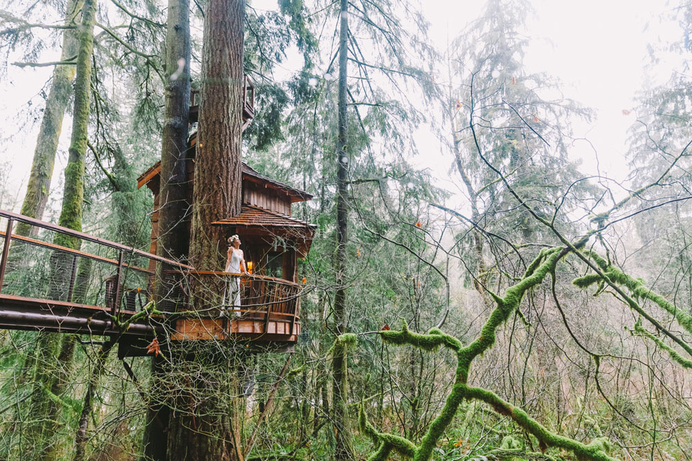 A Treehouse Wedding in the Forest in Washington ...