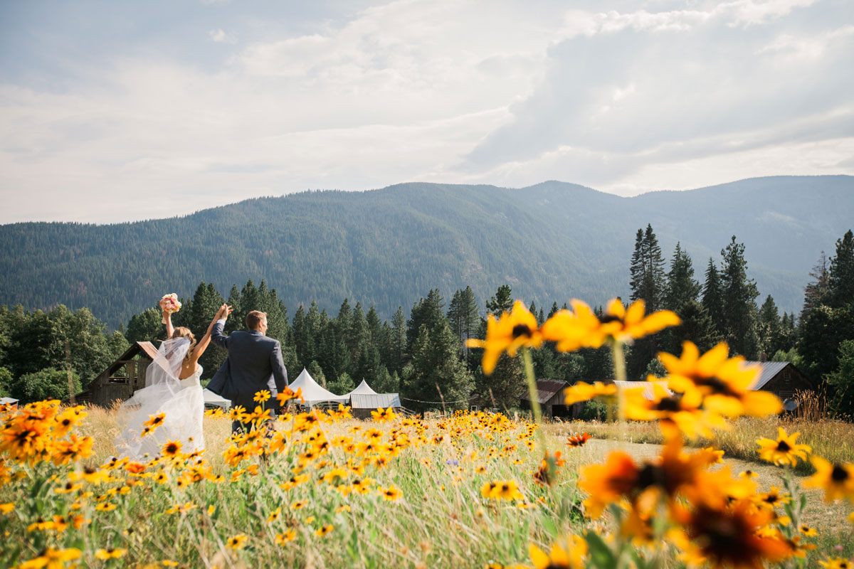 A Rustic Chic Mountain Wedding in Washington