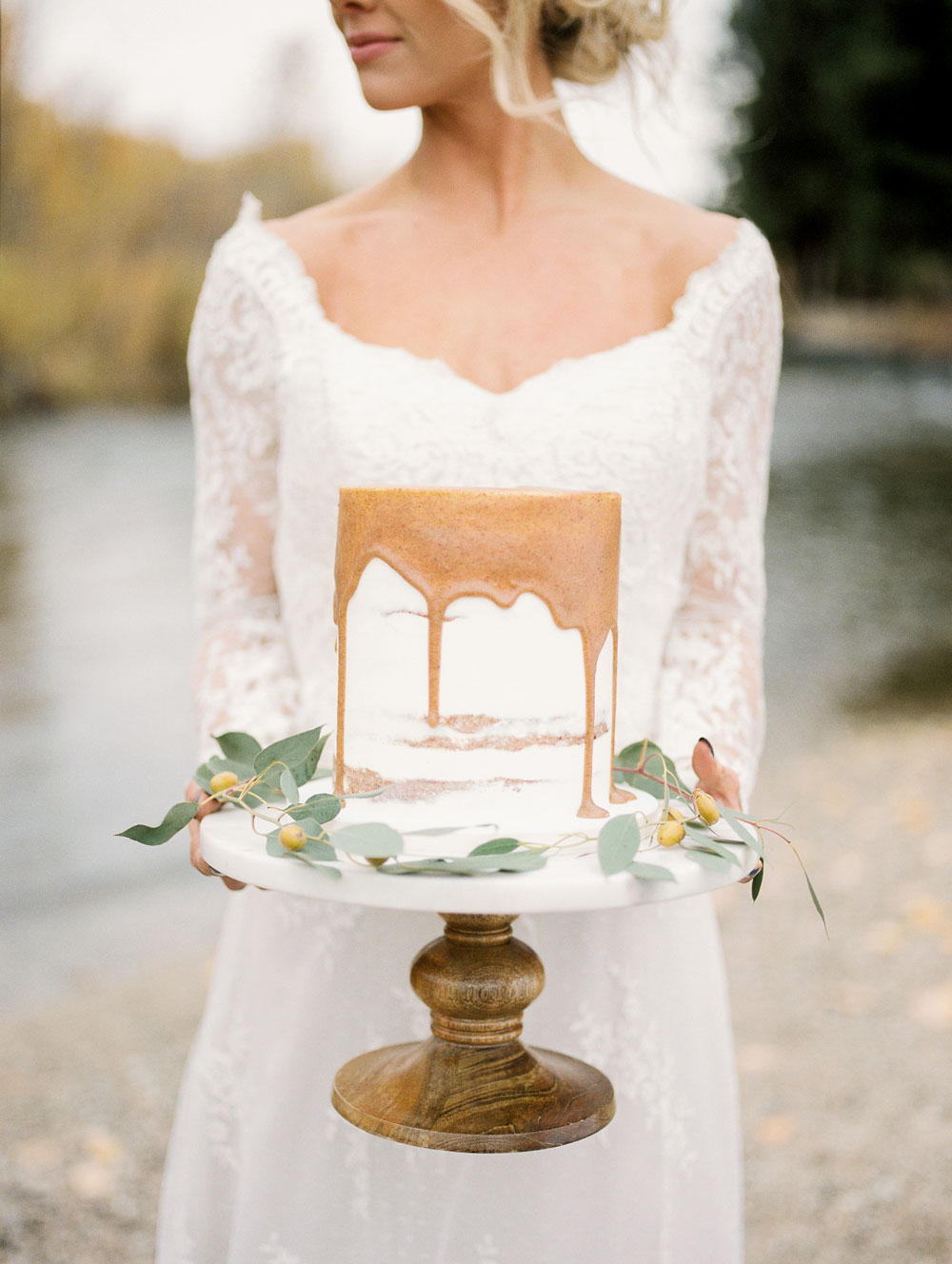 Autumn styled shoot in the mountains