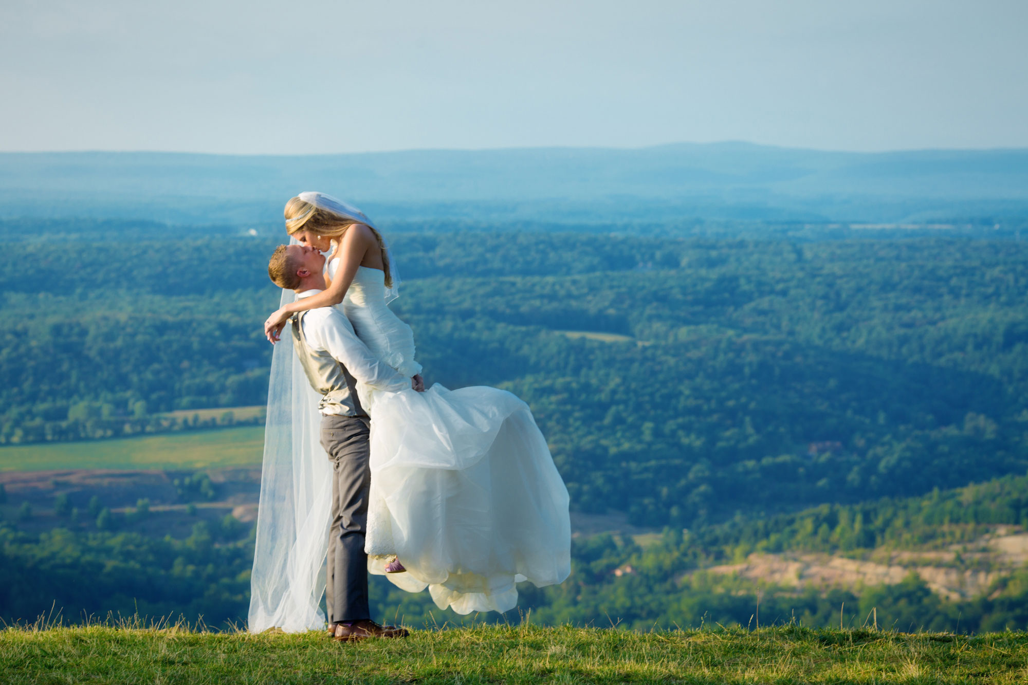 A Destination Wedding in the Pocono Mountains
