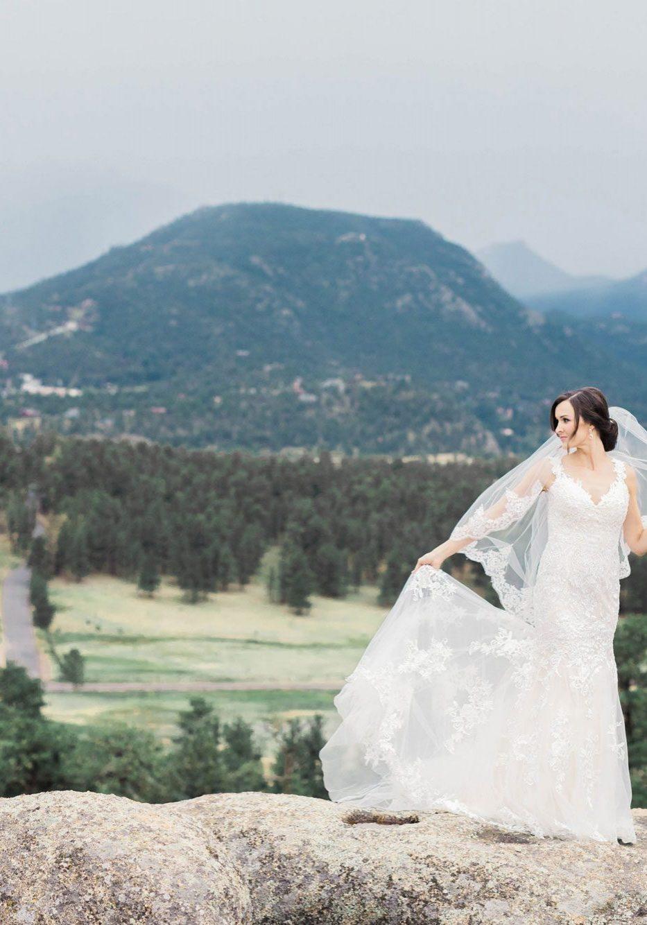 A Romantic Destination Wedding in Estes Park, Colorado