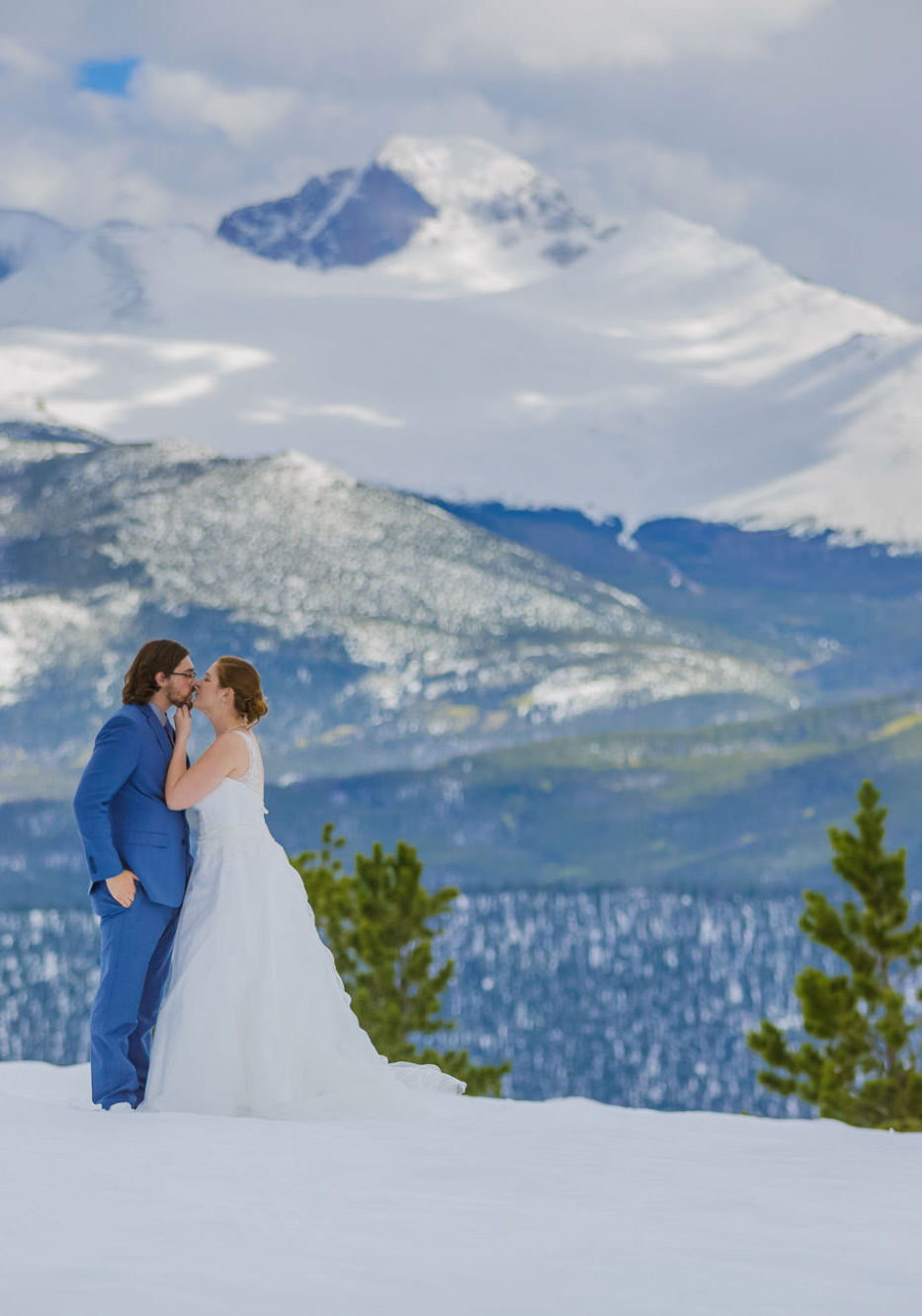 A Snowy Winter Elopement in Rocky Mountain National Park