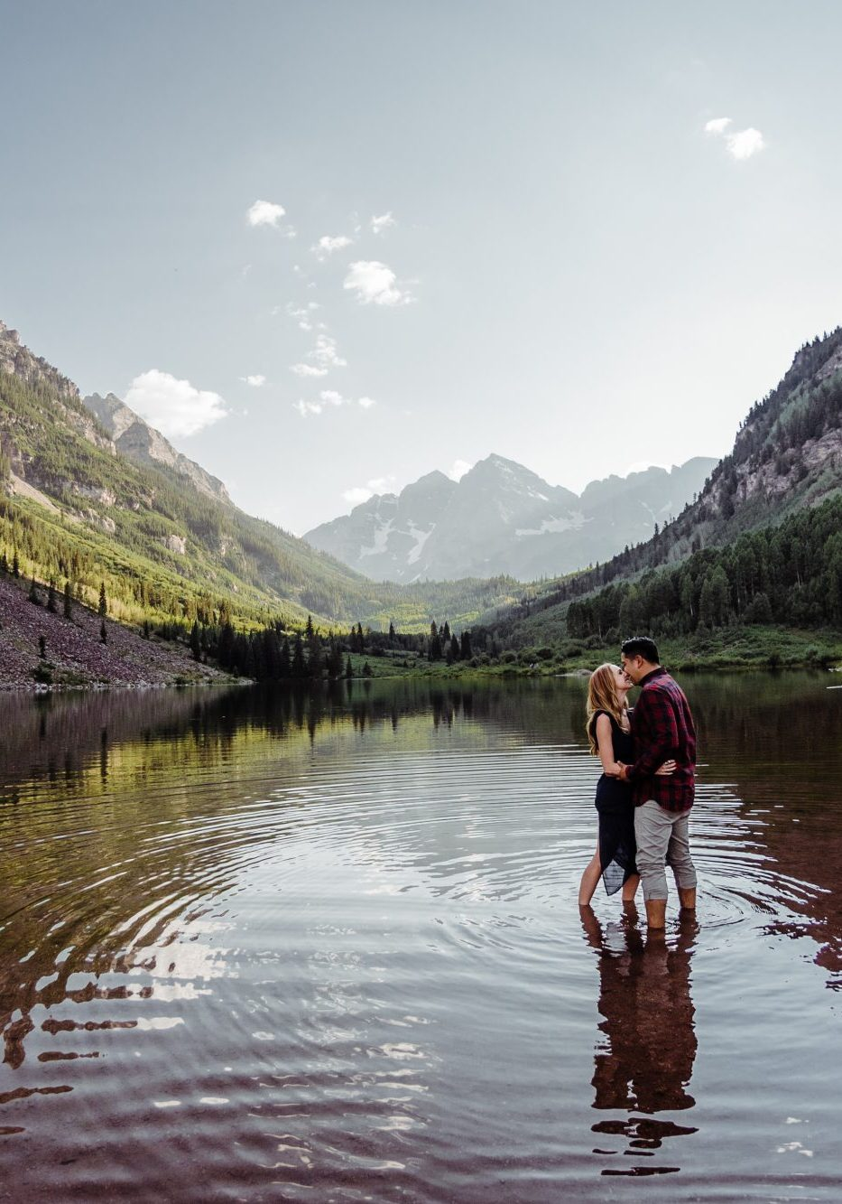 A Stunning Maroon Bells Engagement Shoot