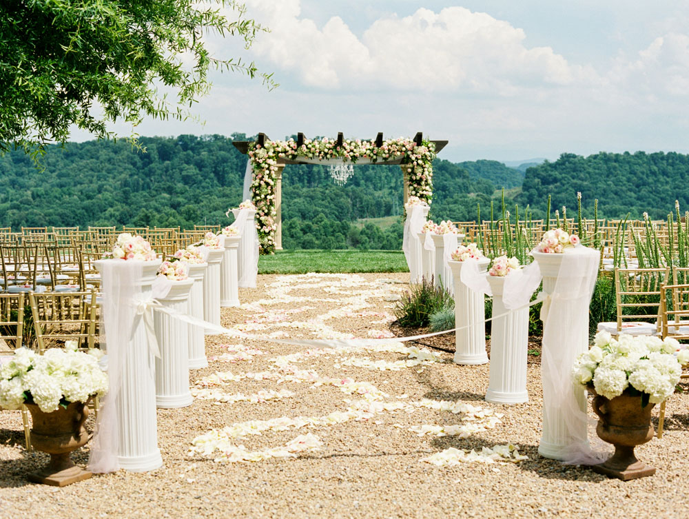 Mountain Wedding Elegance in Tennessee