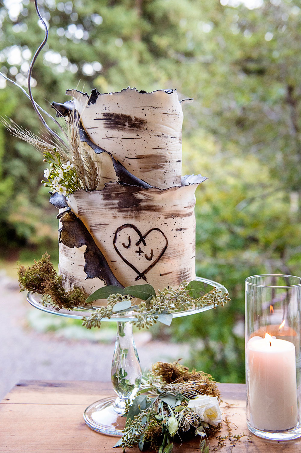 Refined Mountain Rustic Western Chic Wedding in Montana - Cake