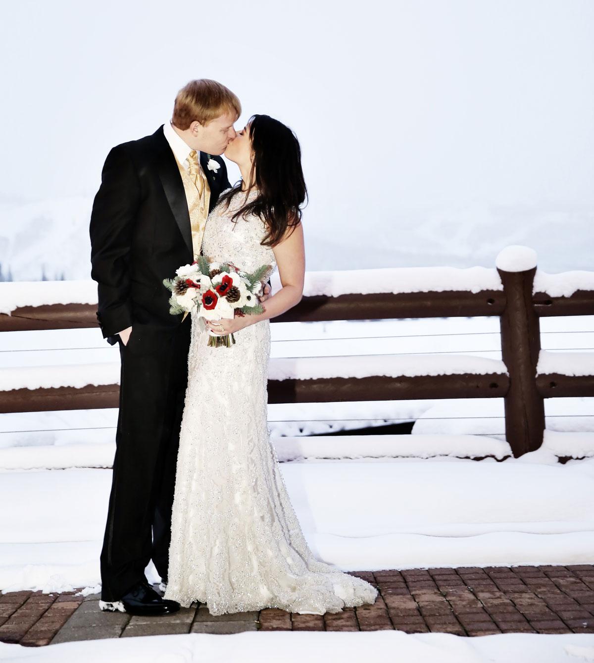 A snowy Christmas wedding in Utah