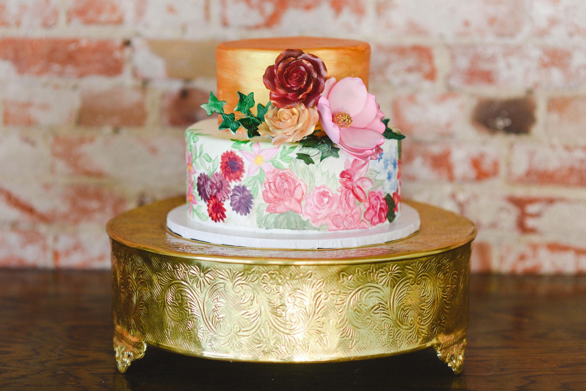 Floral weddig cake