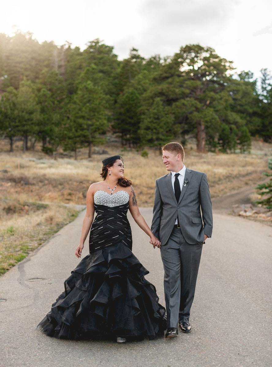 A Fall Mountain Wedding With Black Amp Gold Accents Luxe