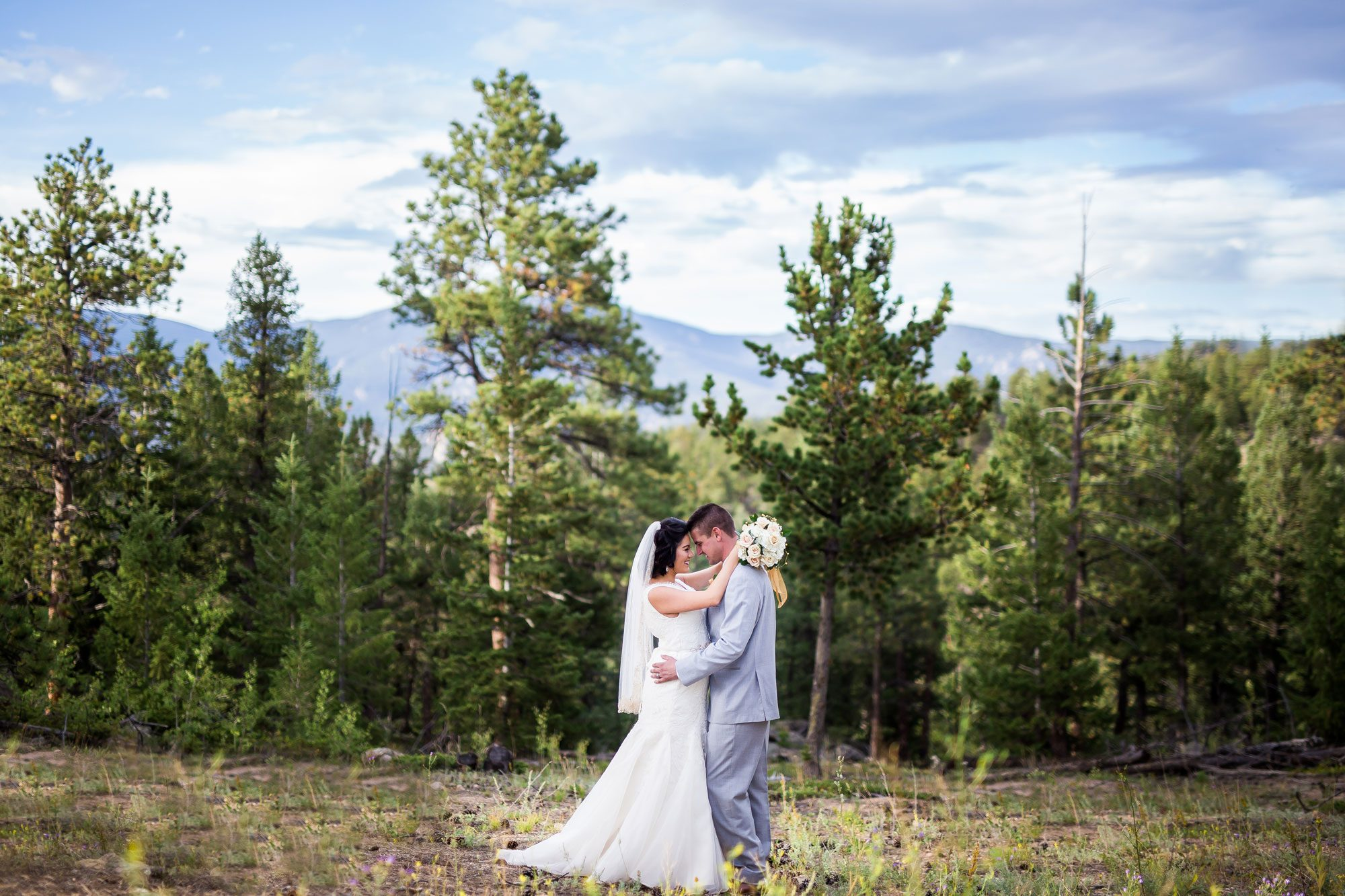 An Intimate Mountain Wedding in Estes Park