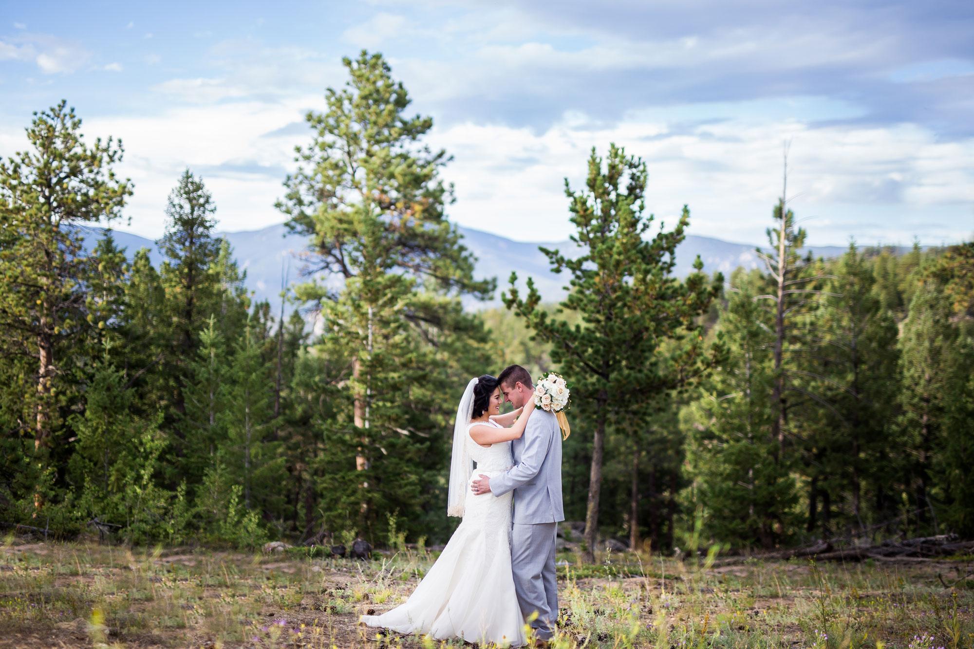 An Intimate Mountain Wedding in Estes Park