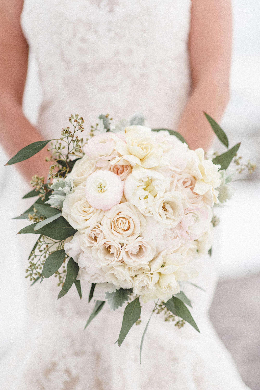A Snowy Spring Wedding in Colorado