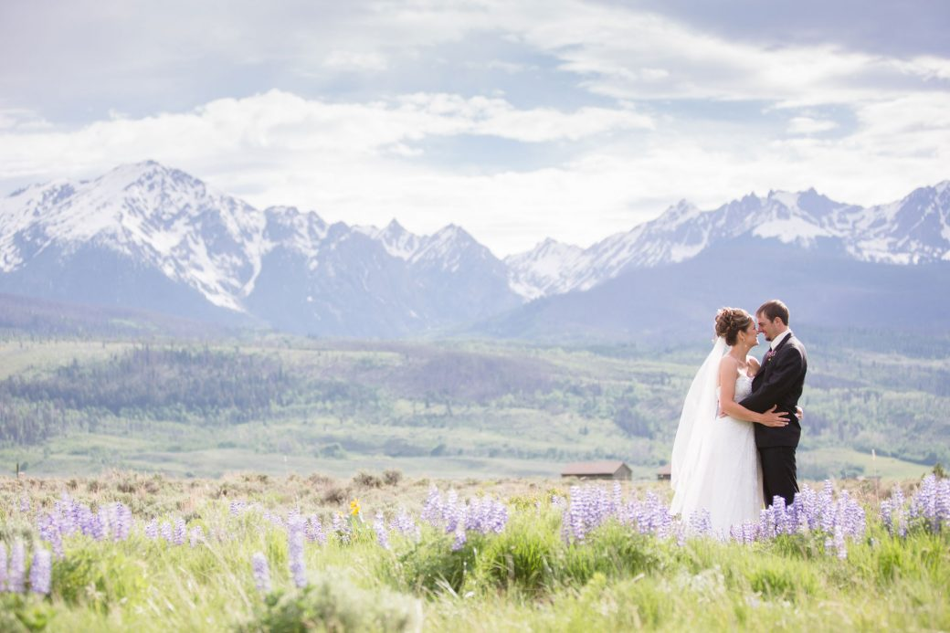 An outdoor wedding in the mountains in Silverthorne, Colorado