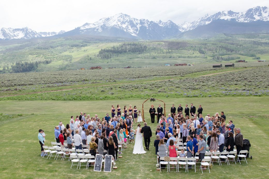 An outdoor ceremony under the mountains in Silverthorne, Colorado