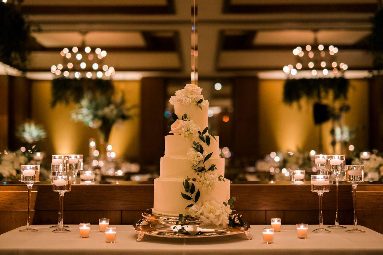 A Mountain Glam Destination Wedding in Vail, Colorado