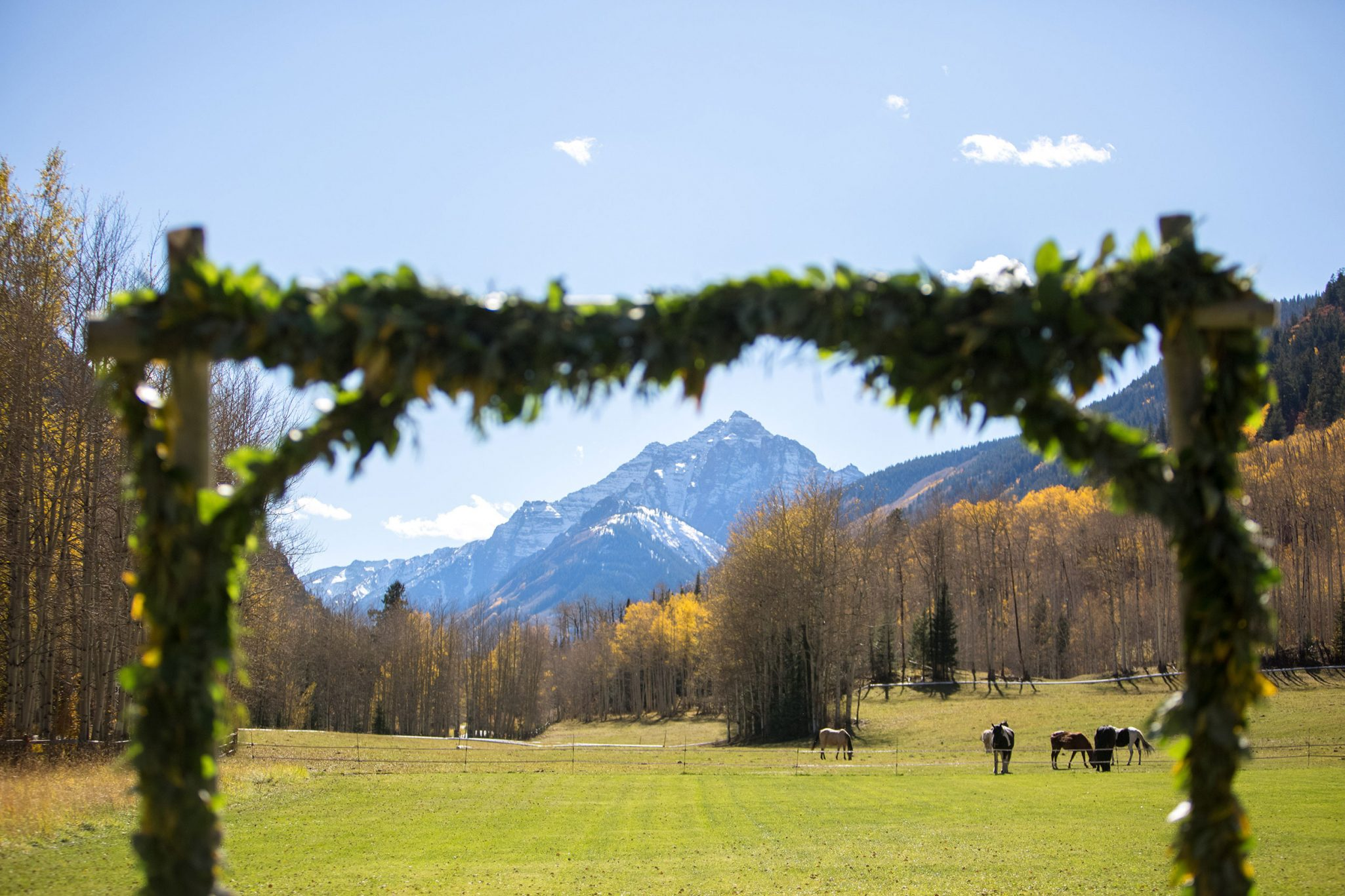 Ceremony | A Fall Aspen Wedding at T Lazy 7 Ranch, Colorado