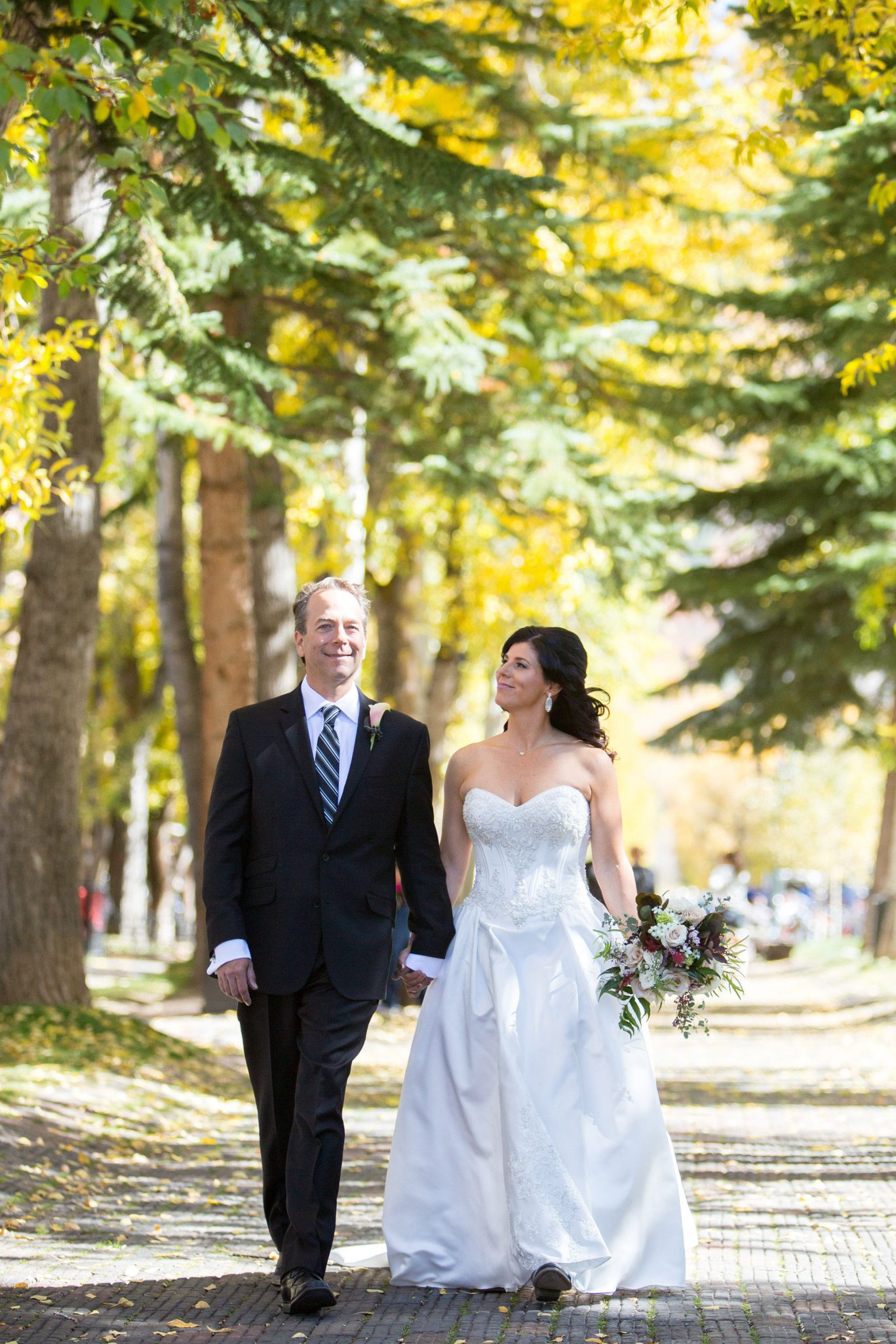 A Fall Aspen Wedding at T Lazy 7 Ranch, Colorado