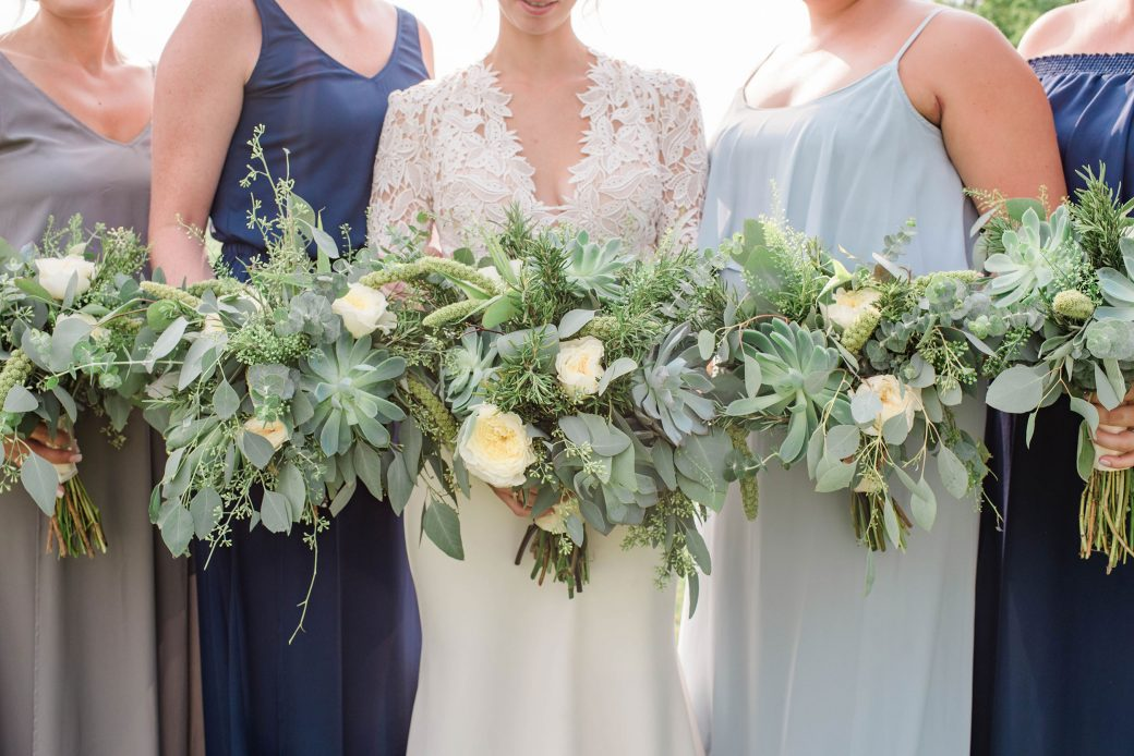 Wedding Florals | A Romantic outdoor wedding in Denver, Colorado