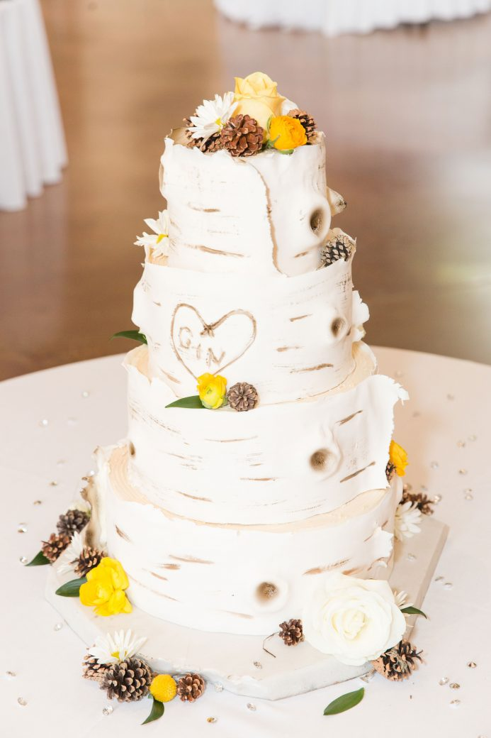 Cake | A Mountain Destination Wedding in Vail, Colorado
