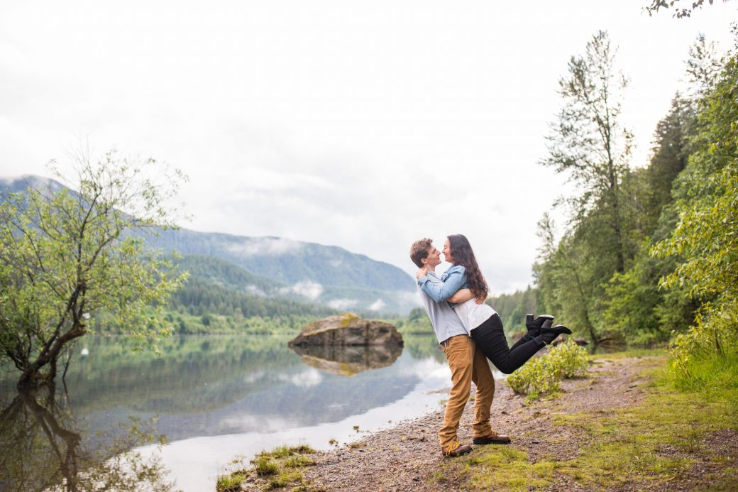 Lakeside Engagement Portraits in Washington