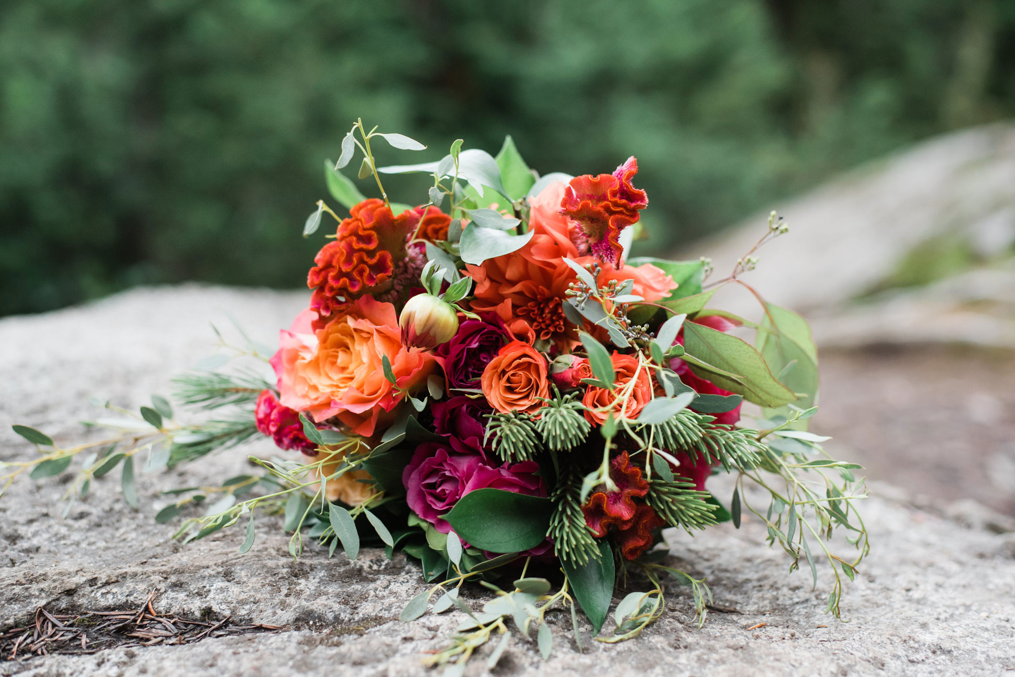 Flower bouquet | Elopement at Lake Lovely Water | Luxe Mountain Weddings