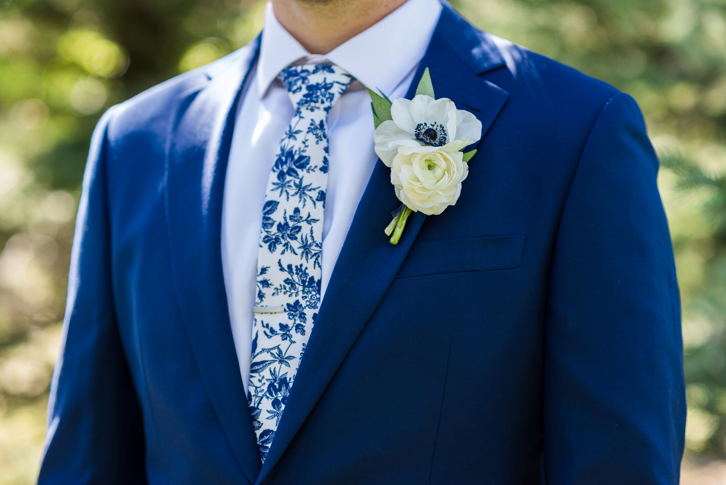 Floral Tie | Colorado Destination Wedding | Luxe Mountain Weddings