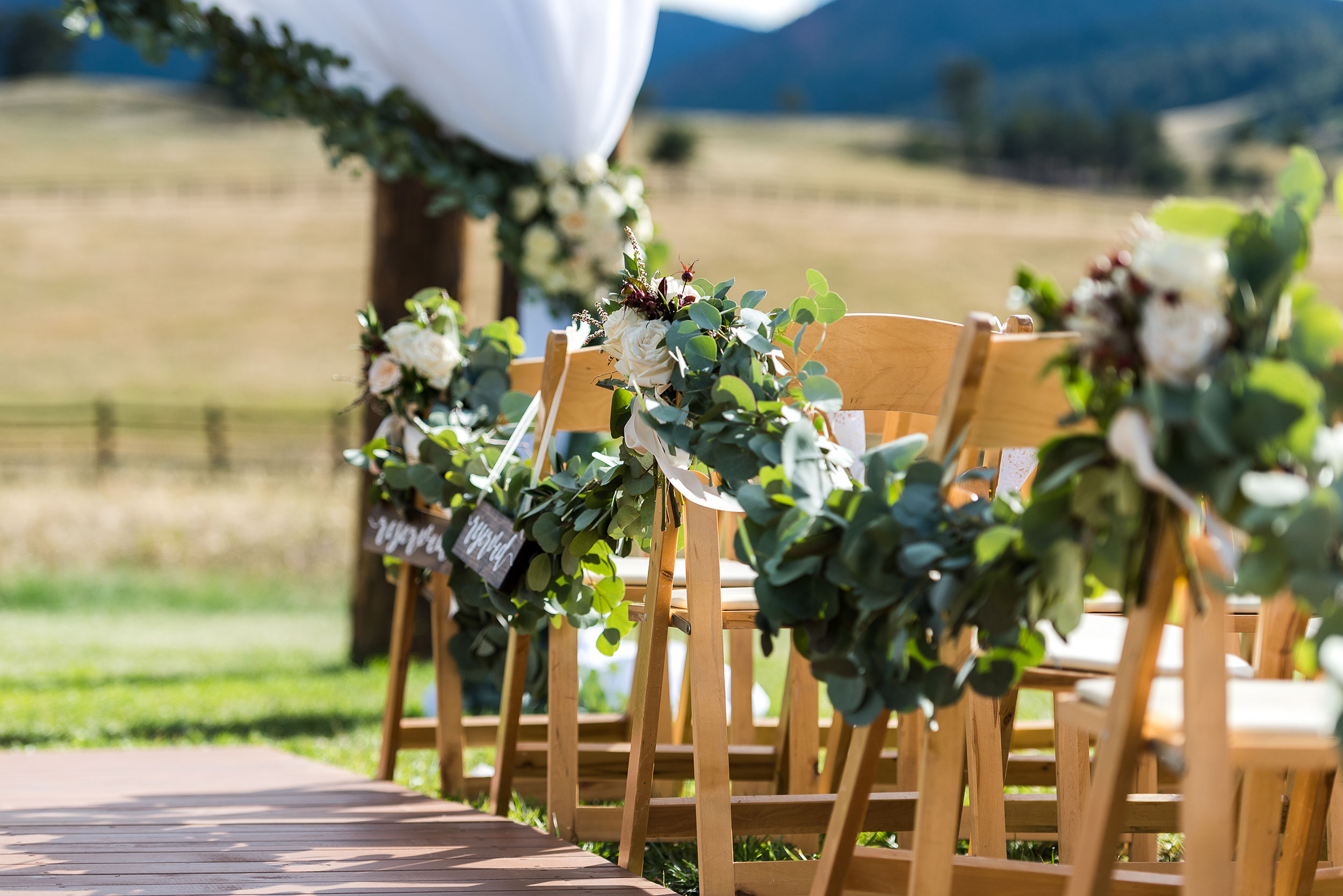 Greenery garland | Ceremony decor | Colorado Destination Wedding | Luxe Mountain Weddings