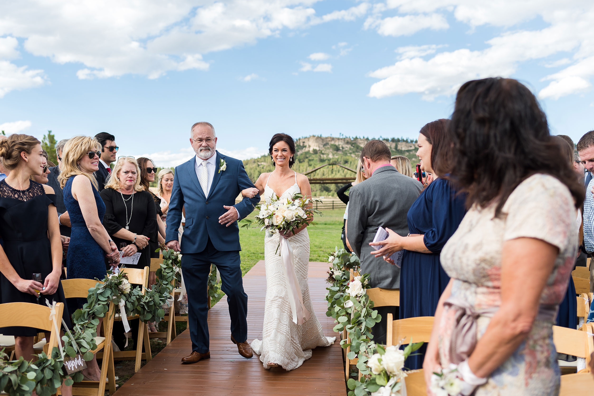 Bride + Dad walking down the asile | Luxe Mountain Weddings