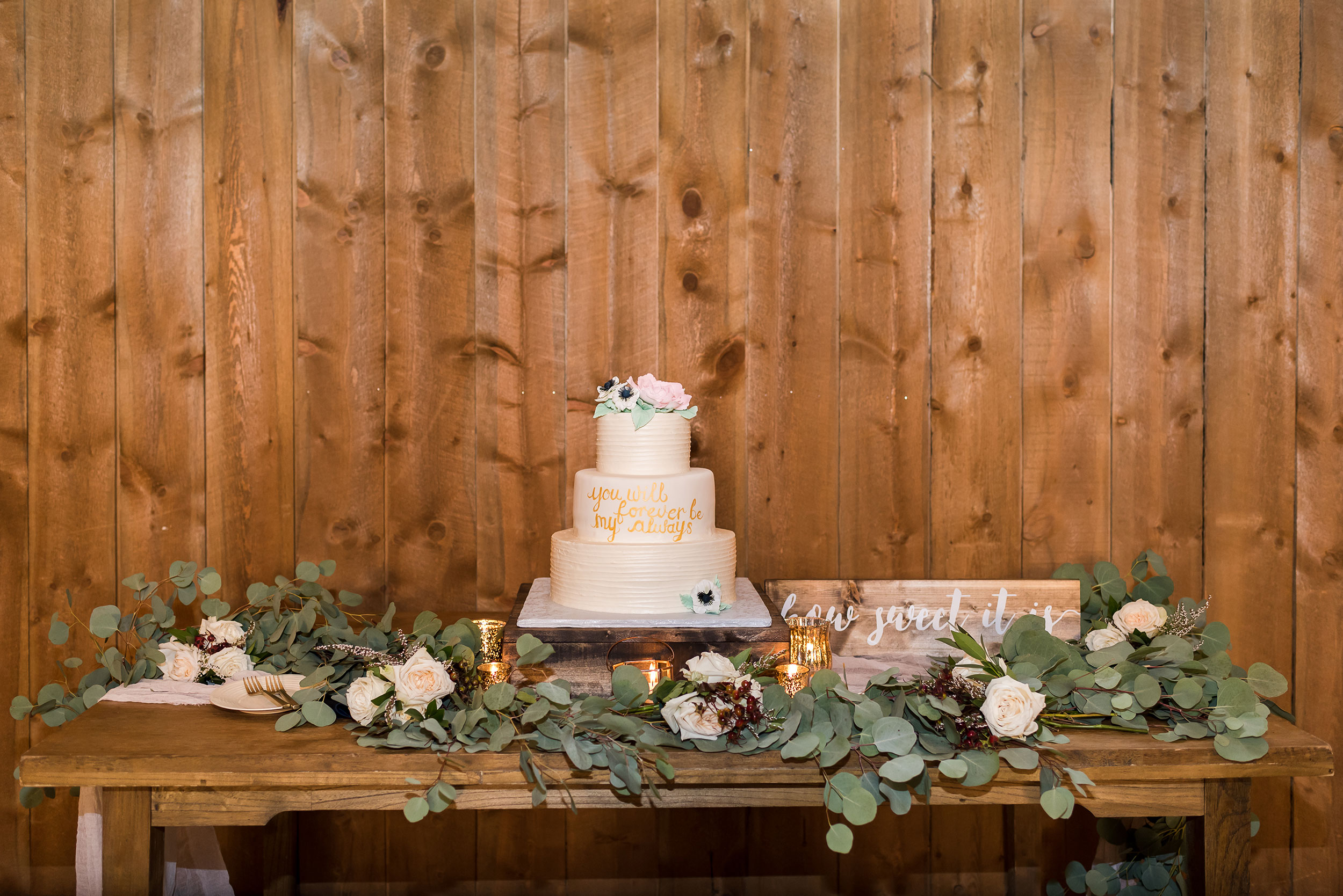 Wedding Cake | Luxe Mountain Weddings Colorado