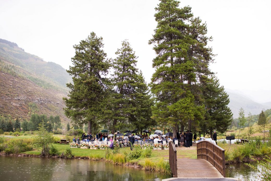 A ceremony in the rain in Vail, Colorado | Luxe Mountain Weddings