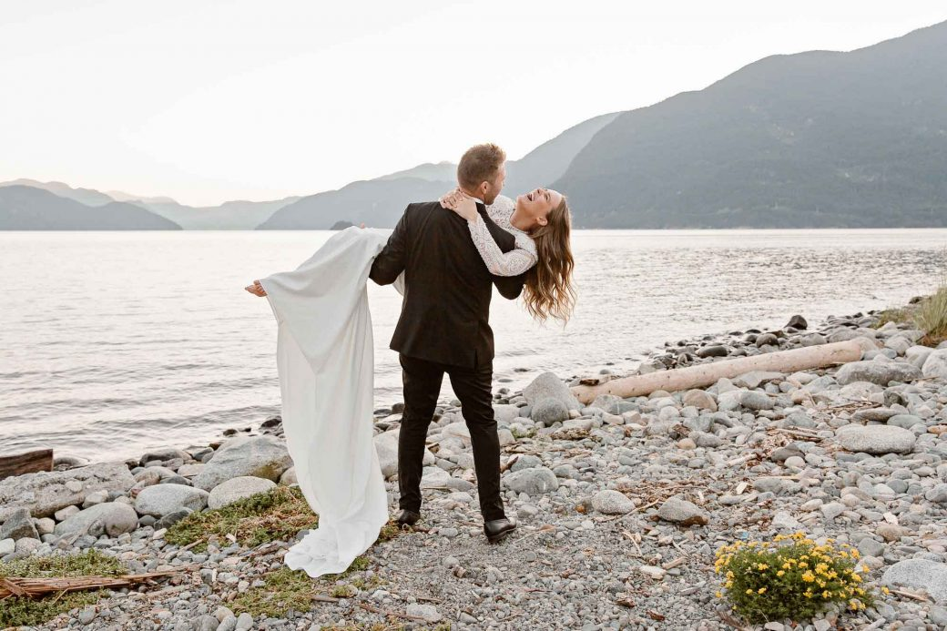 Bride & groom in Squamish, BC