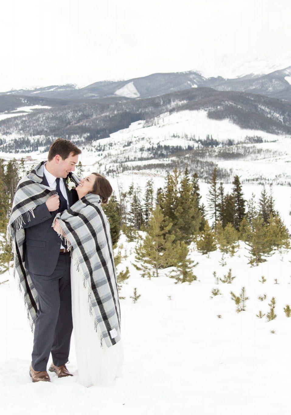 A Winter wedding elopement in Colorado